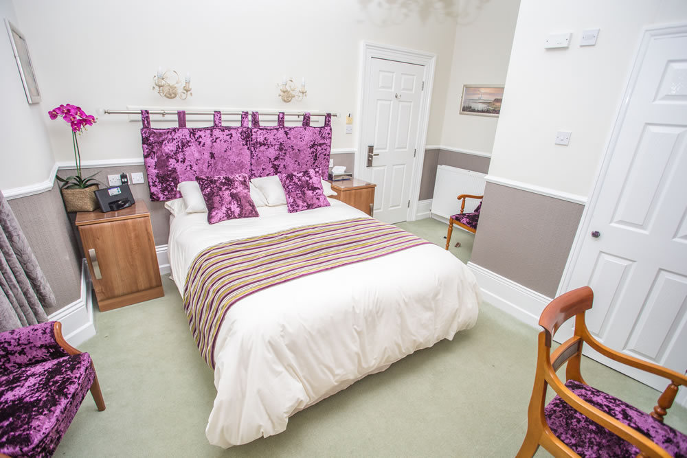 bamburgh-guest-room-Park Lodge Whitley Bay